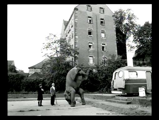 alex_kluge-artisten_in_der_zirkuskuppel-ratlos