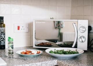 Kesalahan Yang Harus Dihindari Saat Menggunakan Oven Microwave Anda