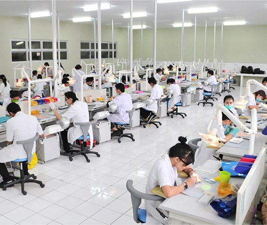 fakultas kedokteran gigi