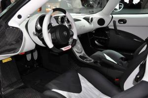 The Agera R's Interior (I want to drive one so bad)