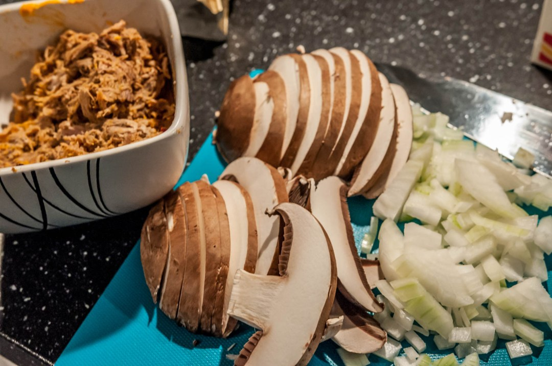 Pasta med pulled pork rester och portabello