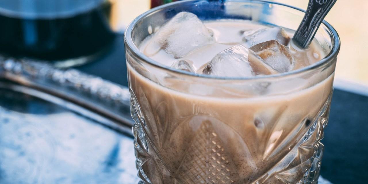 Iskaffe med kondenserad mjölk