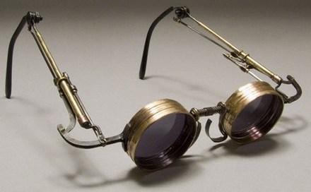 El origen de las gafas; historia de la oftalmología
