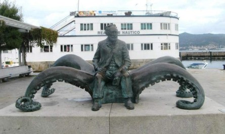 Estatua de Verne en Vigo. Lecturas de Verne para niños