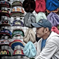 Tukang Topi dan Tukang Balon: permainan warna