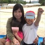小学校の運動会で撮影した母子の写真