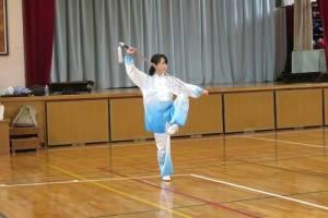 三田小学校赤沢依美太極拳表演