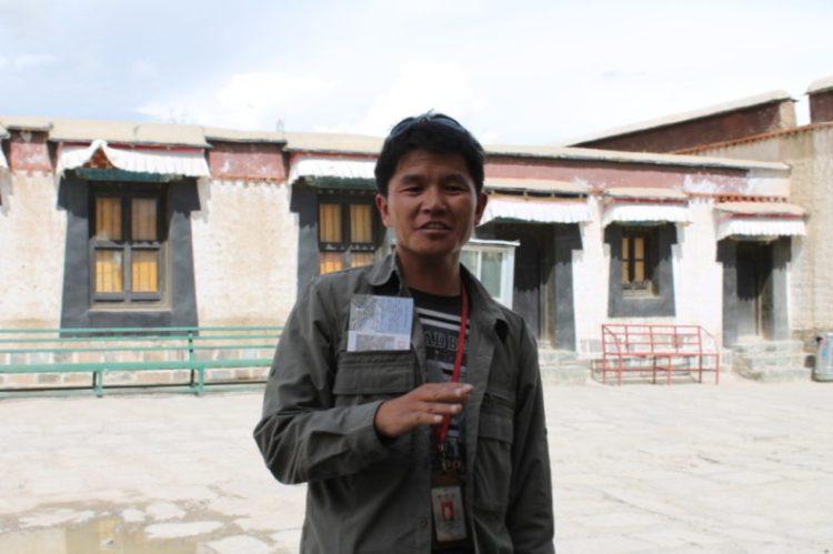 Tibet-tour-guide