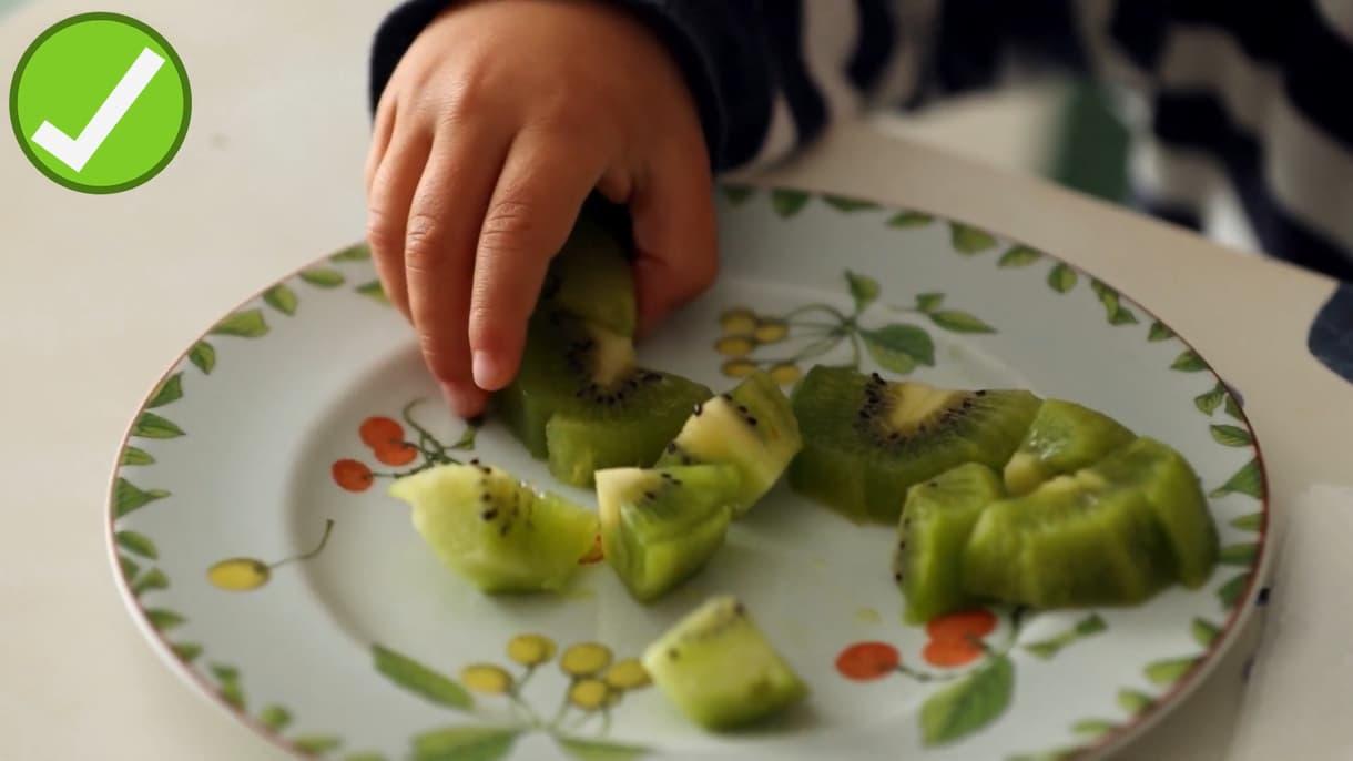 ילדים שאוכלים יותר פירות וירקות מדווחים על בריאות נפשית טובה יותר.