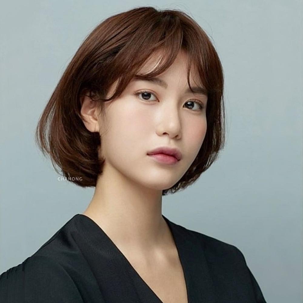 齊平內彎超有個性!韓國髮型師推薦6款「秋冬短髮捲度」,2021的新髮型圖鑑可以先儲存!|噪咖 EBCbuzz