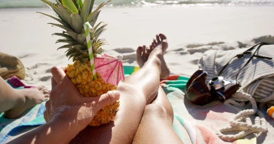 Pov Girl Wallpaper 4k Pov Of Woman Holding Pineapple Cocktail Girl With Sexy