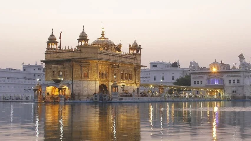 Gurudwara Wallpaper Hd Time Lapse Of Golden Temple At Night In Amritsar Punjab