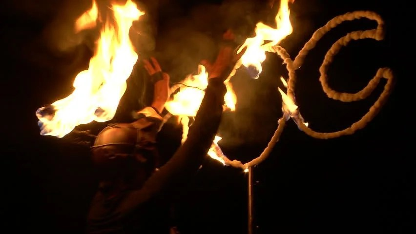 3 MAY 2014: A Girl Dance In A Fire Show