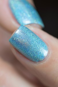 Glam Polish_Love Marilyn_Something's got to give_09