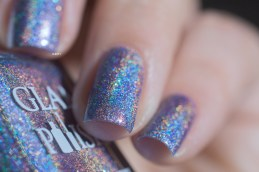 Glam Polish_Love Marilyn_The prince and the showgirl_05