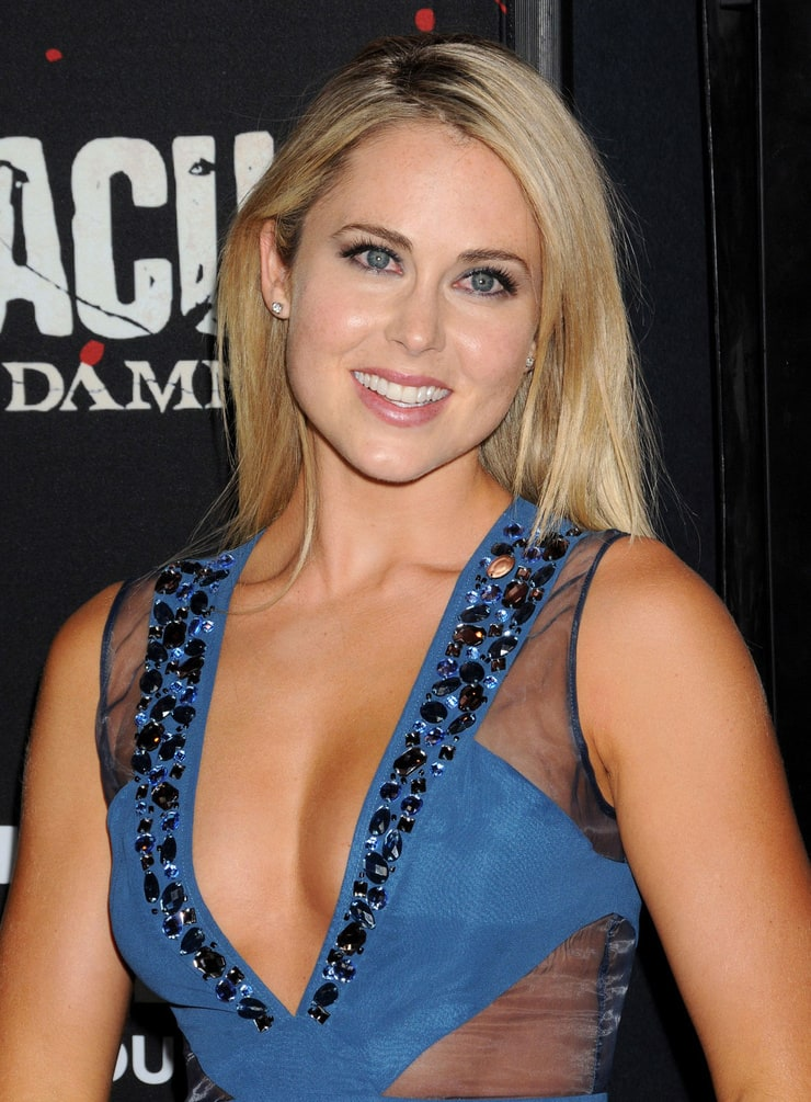 Picture of Anna Hutchison