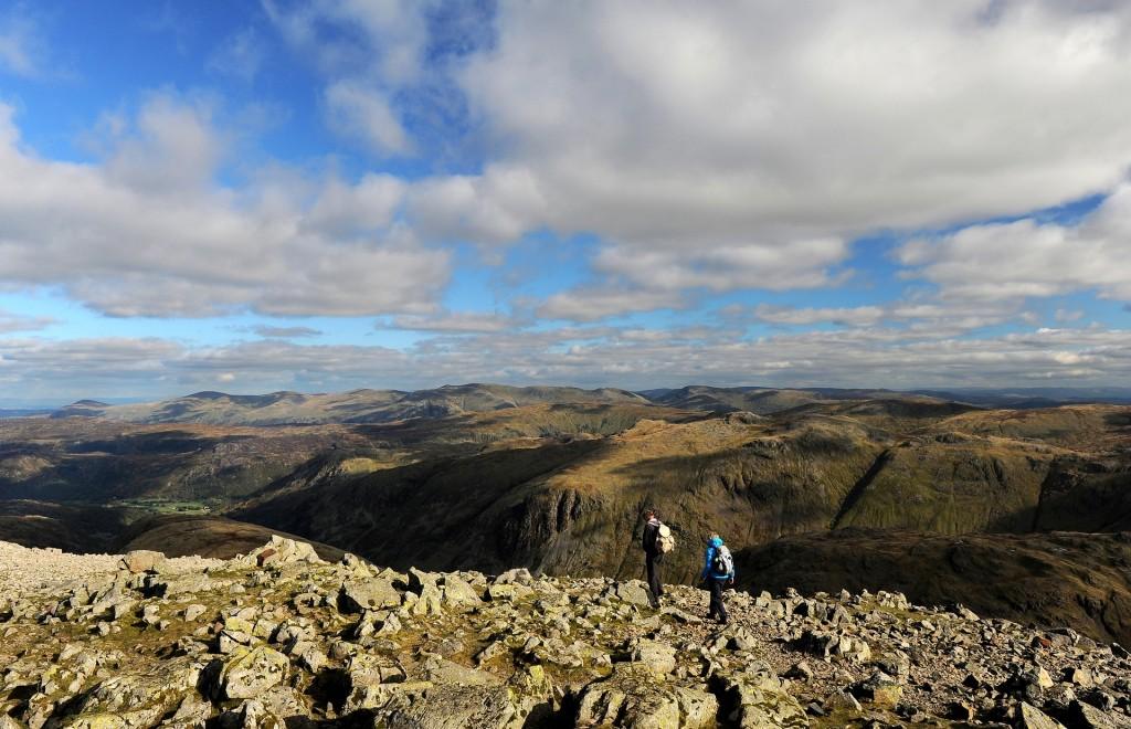 Escursionisti sulla cima del GREAT GABLE