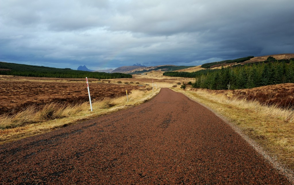 Una tipica strada nelle NORTH-WEST HIGHLANDS