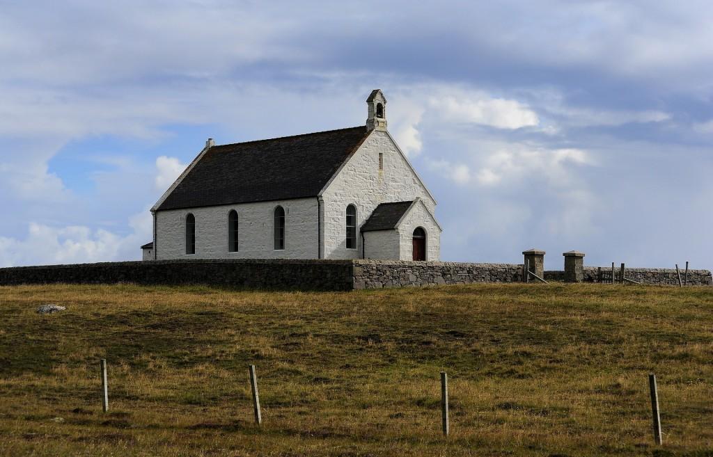 Una delle due bellissime chiesette di FAIR