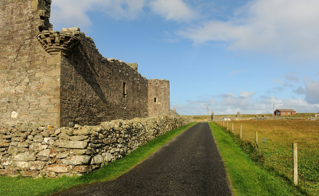 Una veduta esterna del castello di MUNESS