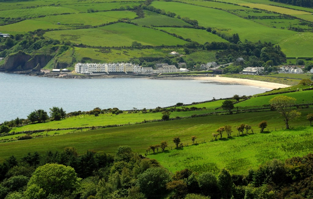 "CUSHENDUN visto dalla ""TORR HEAD SCENIC ROUTE"""
