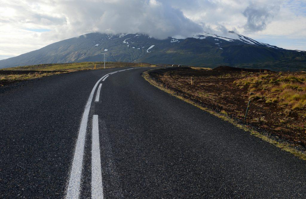 La strada che collega HELLNAR alla strada principale