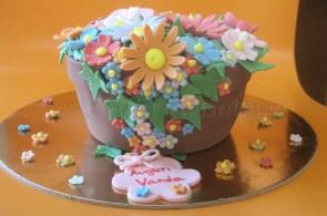 Torta vaso con fiori colorati