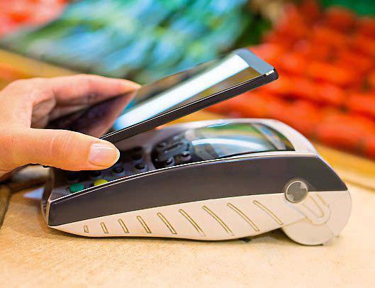 Dimenticatevi le carte, da oggi si può pagare con il telefono con Vodafone Pay