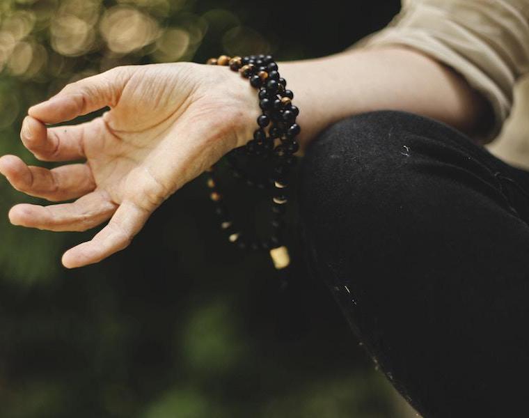 Mantra: significato e origine di questa pratica