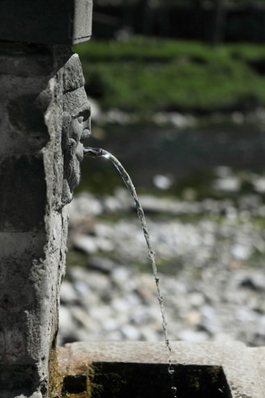 fontana ponte di pietra - gragnola-