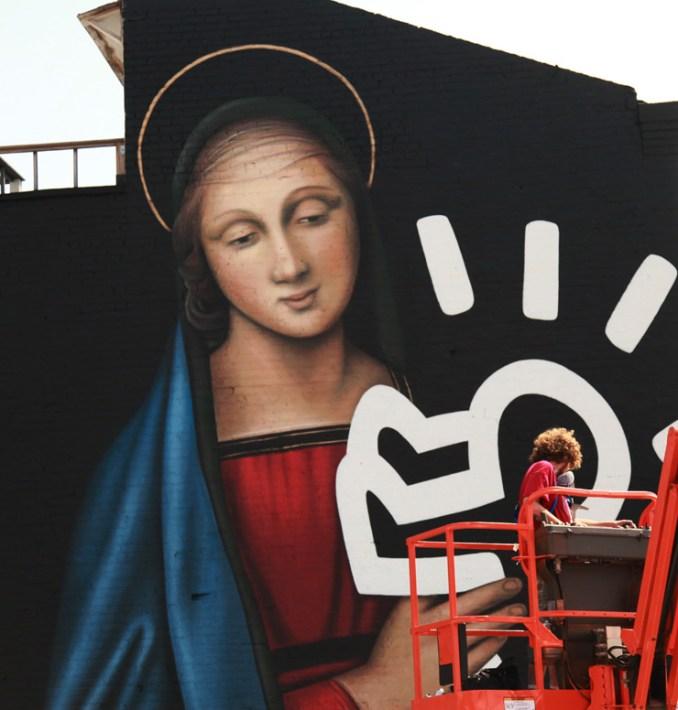 Owen Dippie. Radiant Madonna. The Bushwick Collective. (foto di Jaime Rojo)
