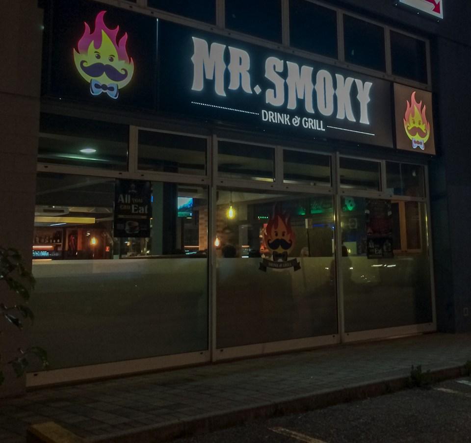 Mr.Smoky