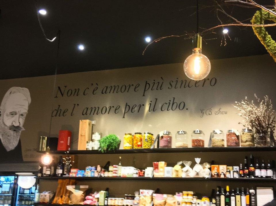 """""""Non c'è amore più sincero che l'amore per il cibo."""" G.B. Shaw"""