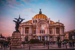 Ile trwa lot Warszawa - Meksyk?