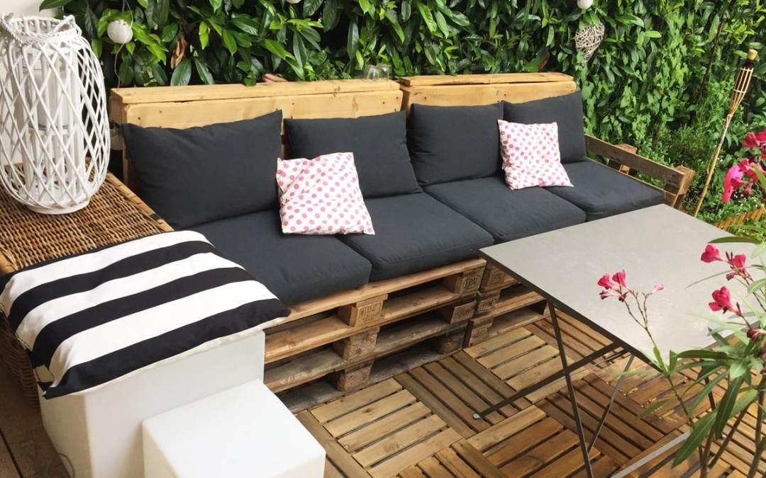 diy d co salon de jardin en palettes rapide facile. Black Bedroom Furniture Sets. Home Design Ideas