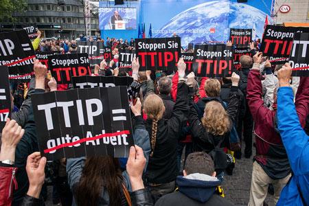 Le traité transatlantique, un typhon qui menace les Européens Stop-ttip