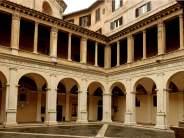 Il chiostro del Bramante a Roma