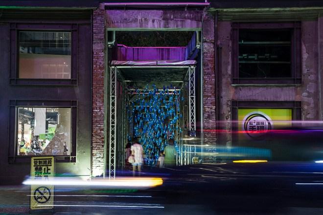 luzinterruptus-rain-interactive-installation-01