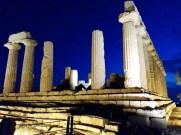 il tempio di Giunone illuminato di sera (Valle dei templi, Agrigento)
