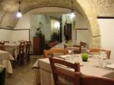 Cucina e Vino, (la sala interna)