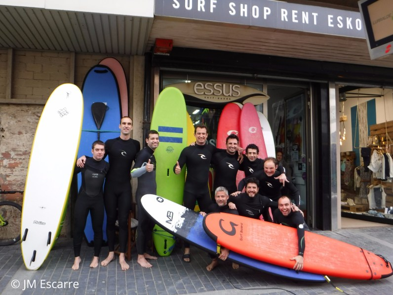 My friends and I rented the neoprene suits and boards at this shop