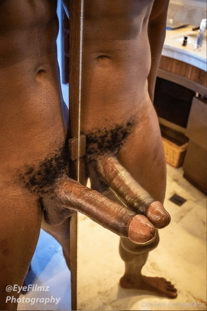 Rhyheim dick in the mirror by EyeFilmz