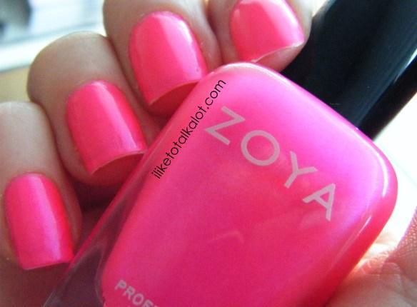 zoya lola fingers 2