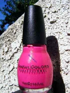 iliketotalkalot creme pink bottle
