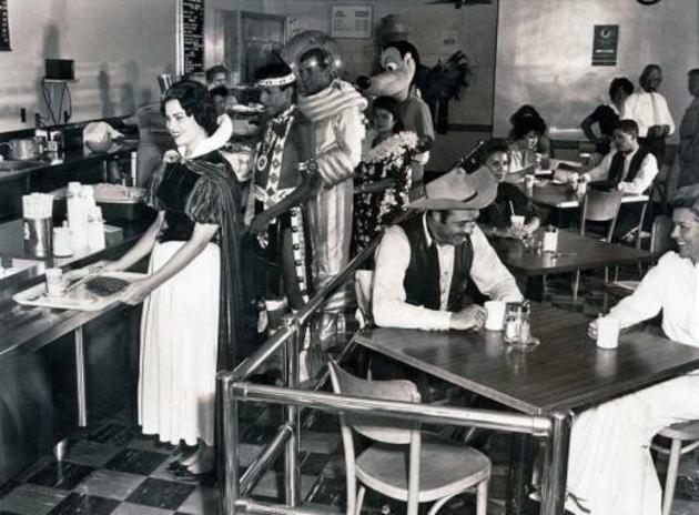 Disney Cafeteria