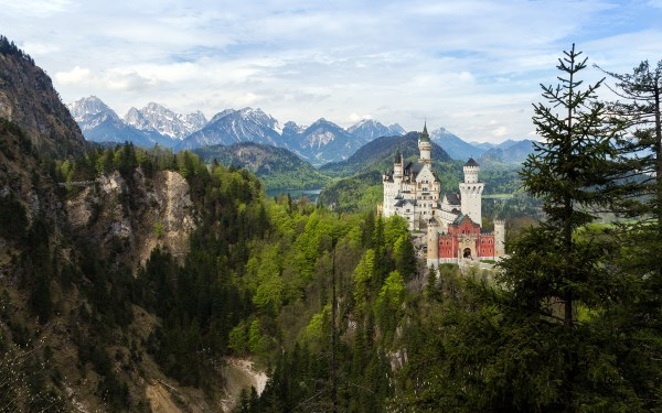 daily wallpaper neuschwanstein