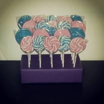 6-acadele-petrecere-violeta