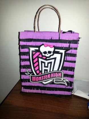 pinata-monster-high-1