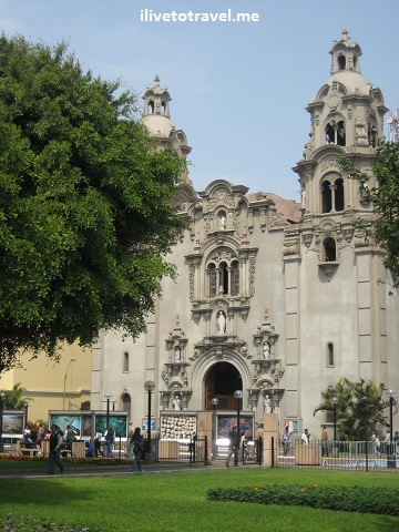 Miraflores Church on Ave. Larco in the Parque Central de Miraflores