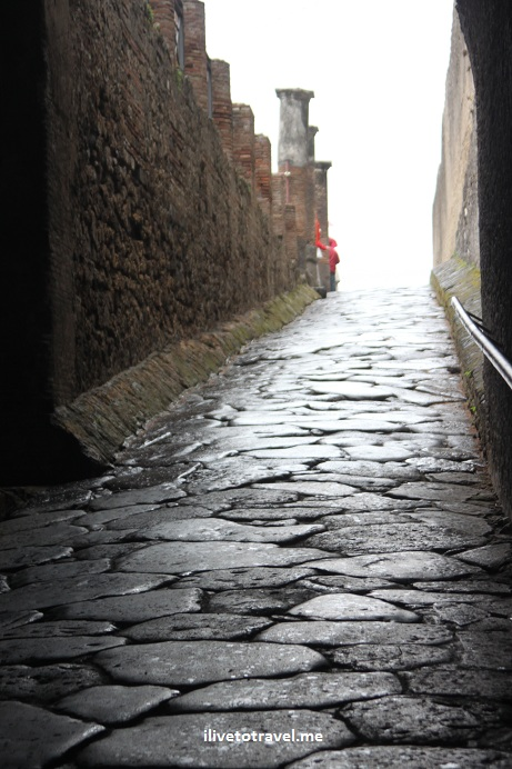 The path leading into the town of Pompeii, Italy from the shoreline